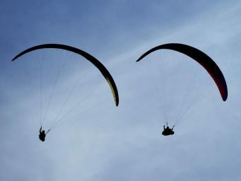 Британский парашютист погиб в воздушном столкновении