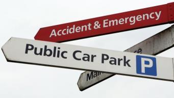 Больницы в Англии в два раза увеличили стоимость парковки для посетителей