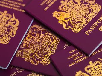Британская компания проиграла конкурс за право печатать гражданские паспорта после Брекзита