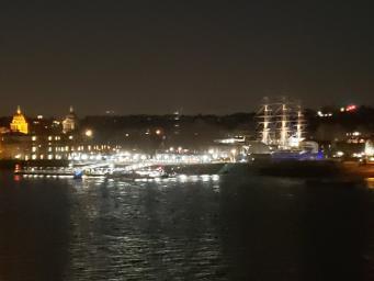 В Лондоне катер налетел на бакен в Темзе