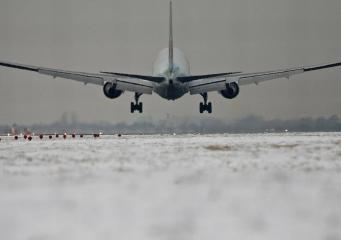 Лондонские аэропорты отменили вылеты рейсов из-за снегопада