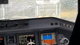 Пассажирский самолет экстренно сел в Корнуолле из-за лопнувшего стекла