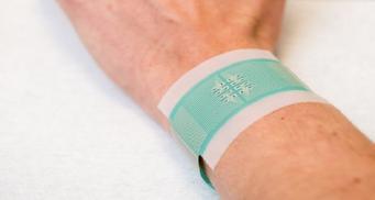 В Великобритании  создали электронный пластырь для измерения уровня глюкозы без уколов