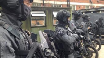 Скотланд-Ярд рассматривает возможность тотальной экипировки офицеров оружием фото:bbc.com