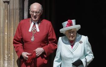 Королевская семья посетила пасхальную службу в Виндзоре