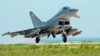 Истребители Королевских ВВС брошены на перехват российского самолета над Черным морем