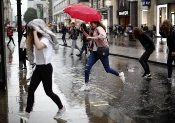 Прогноз погоды на Пасху в Великобритании: хляби небесные разверзнутся