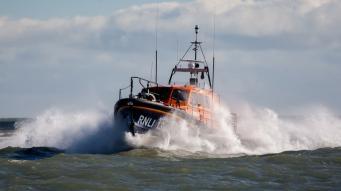 Грузовой корабль затонул в акватории графства Кент фото:itv.com