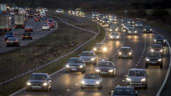 Обучение вождению на шоссе будет разрешено в Британии в следующем году
