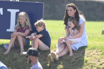 Принц Джордж и принцесса Шарлотта посетили благотворительное мероприятие в Глостершире