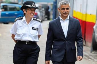 Число круглосуточных полицейских участков в Лондоне сократят по числу округов