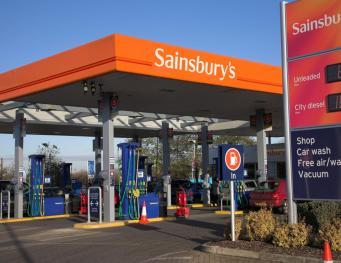 Sainsbury`s предлагает бензин и дизель со скидкой в десять пенсов