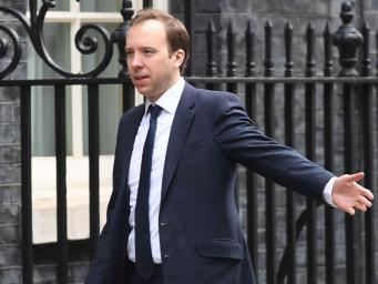 Министр правительства предложил запретить сотовые телефоны в британских школах