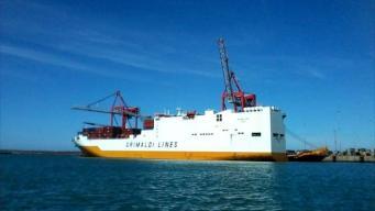 Нелегалы взяли в заложники грузовое судно в графстве Кент