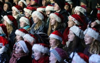 Пение рождественских гимнов полезно для здоровья, - британские ученые фото:irishnews.com