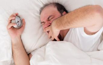 Проблемы британцев со сном стоят национальной экономике сорок миллиардов фунтов в год фото:irishnews.com