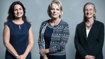 Исход депутатов продолжается: консерваторы лишились трех голосов