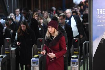 Долгая дорога с работы провоцирует депрессии и ожирение, - британские ученые фото: