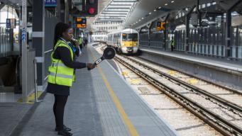Беспилотные поезда названы спасением железнодорожной отрасли Великобритании фото:skynews