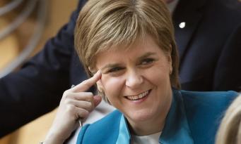 Никола Стерджен переизбрана на пост главы шотландского правительства фото:theguardian.com