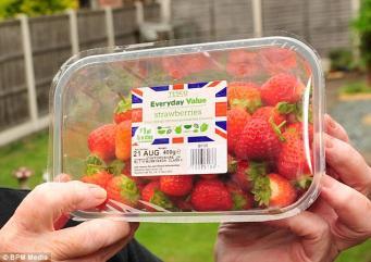 Британская клубника появилась в супермаркетах в рекордно ранний срок