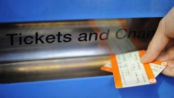 Билетные автоматы на вокзалах  вышли из строя по всей Великобритании