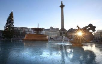 Жители Лондона поделились фотографиями заиндевевшего города  фото:itv