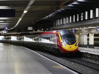 Network Rail предупреждает о закрытии вокзалов и путей в банковские выходные фото:independent