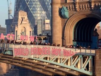 В Лондоне начались акции протеста против инаугурации Дональда Трампа фото:twitter