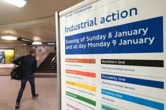 Вопрос о забастовках лондонского метро снят с повестки дня: мэрия договорилась с профсоюзами фото:standard.co.uk