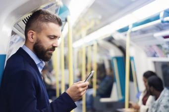 TfL запустил самообучающийся чатбот в помощь пассажирам