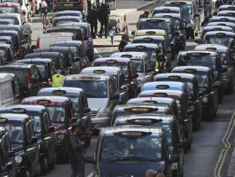Лондонские кэбмены будут судиться с Uber