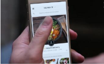 В Лондоне начала работу служба доставки еды Uber