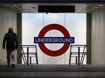 Работники лондонского метро проголосовали за проведение забастовки на Рождество фото:independent.co.uk
