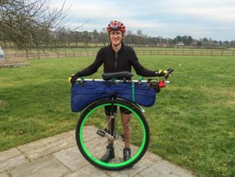 Британец совершил кругосветное путешествие на одноколесном велосипеде