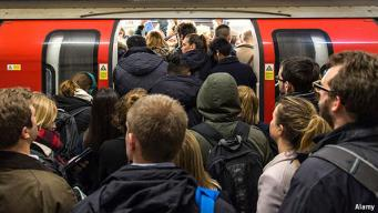 Время задержек и ожидания в лондонском метро увеличилось втрое за пять лет фото:economist.com