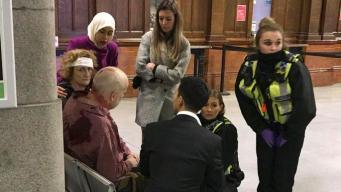 На вокзале в Манчестере террорист с ножом напал на пассажиров: есть пострадавшие
