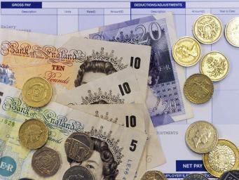 Инфляция в Великобритании пошла в рост впервые за десять месяцев
