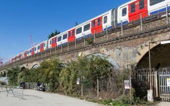 Мэрия Лондона продаст в коммерческое использование арки железнодорожного моста фото:mayorwatch.co.uk