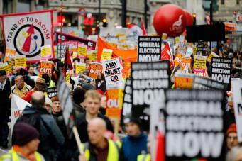 По  центру Лондона прошли два марша «желтых жилетов»