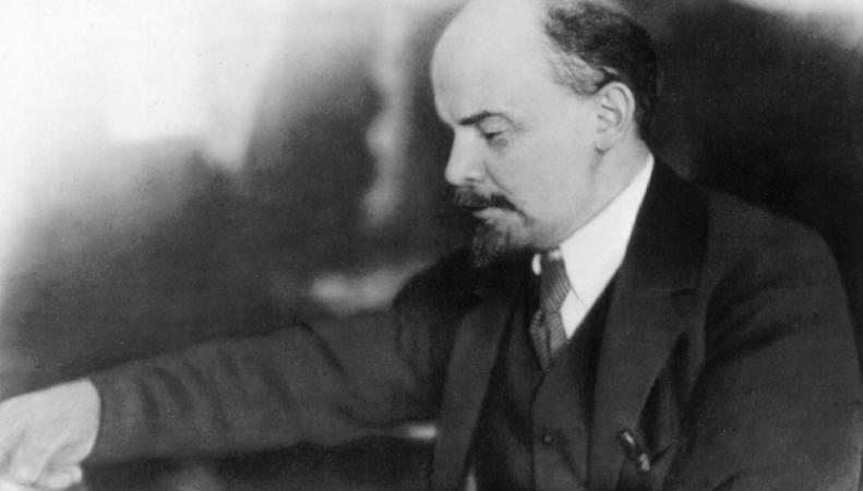 В польском Кракове установили фонтан-памятник писающему Ленину