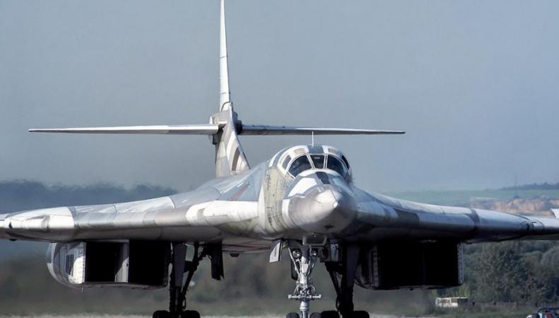 Бомбардировщики России заставили паниковать Британию