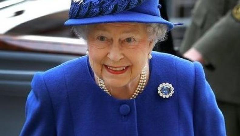 Королева Великобритании Елизавета II почтила память погибших в войне