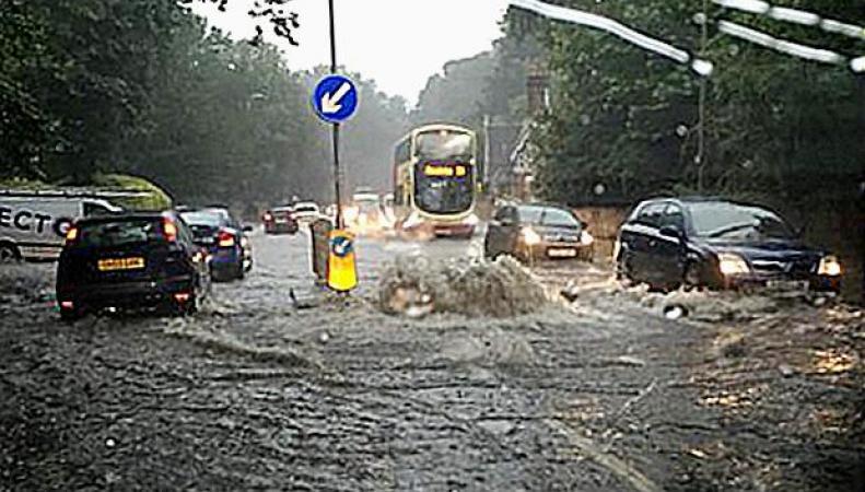 потоп на шоссе А23 в Брайтоне