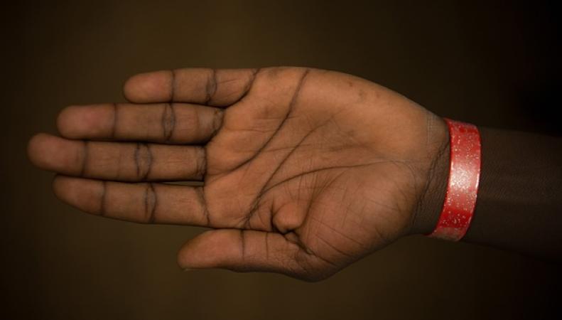 браслеты для беженцев