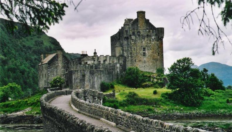 Исторический остров в Англии продается за $6,77 млн