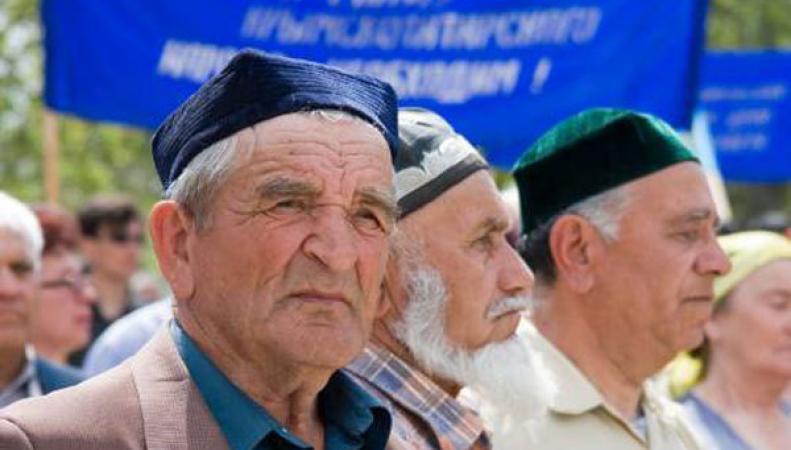 В Крыму проходит митинг 70-летия депортации крымских татар