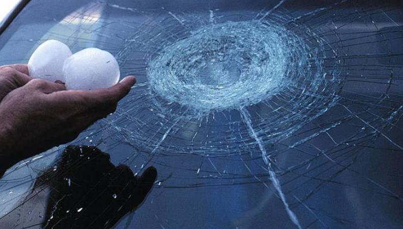В США прошел град размером с теннисный мяч, пострадало 10 человек