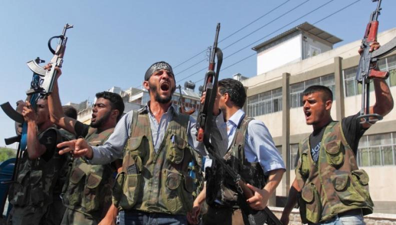 Власти Великобритании рассматривали план создания и вооружения армии повстанцев из Сирии