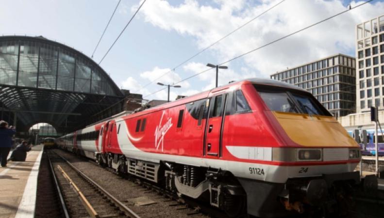 поезд Virgin Trains